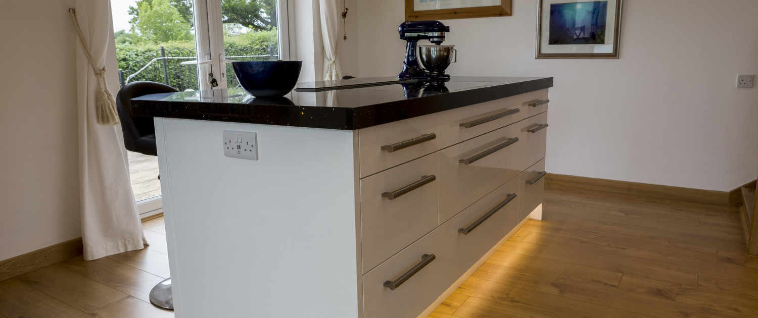 handmade kitchens in yeovil | donovan kitchens & joinery